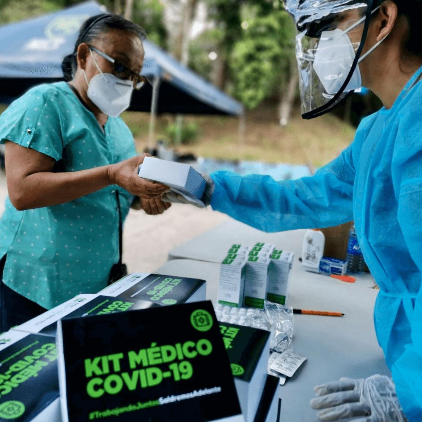COVID-A El Plan Para Frenar La Covid-19 En Santa Tecla. Kit médico. Fotografía. Roberto d'Aubuisson. 2021