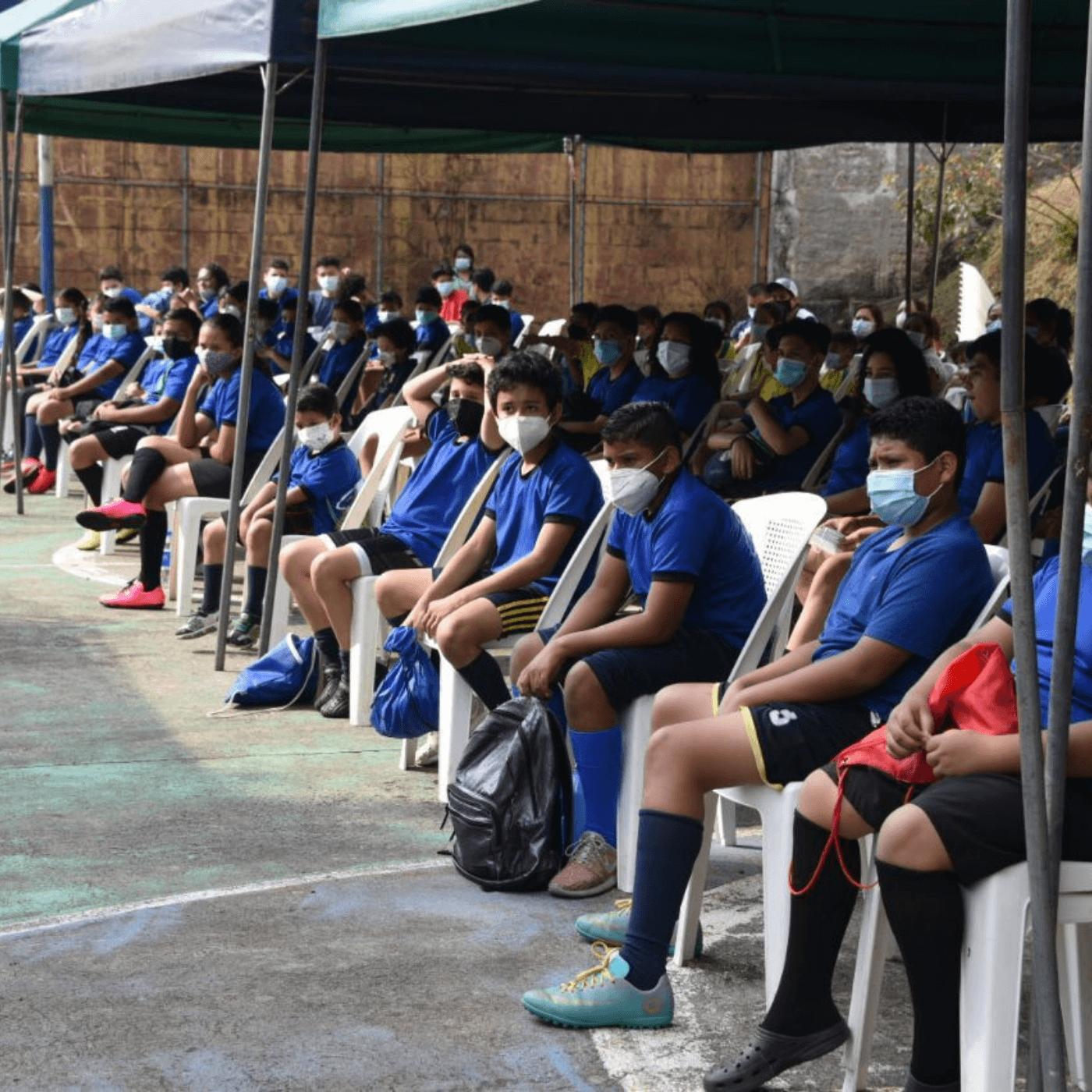 La Educación En Santa Tecla Un Referente En El Salvador. Niños deporte. Fotografía. Roberto d'Aubuisson. 2021