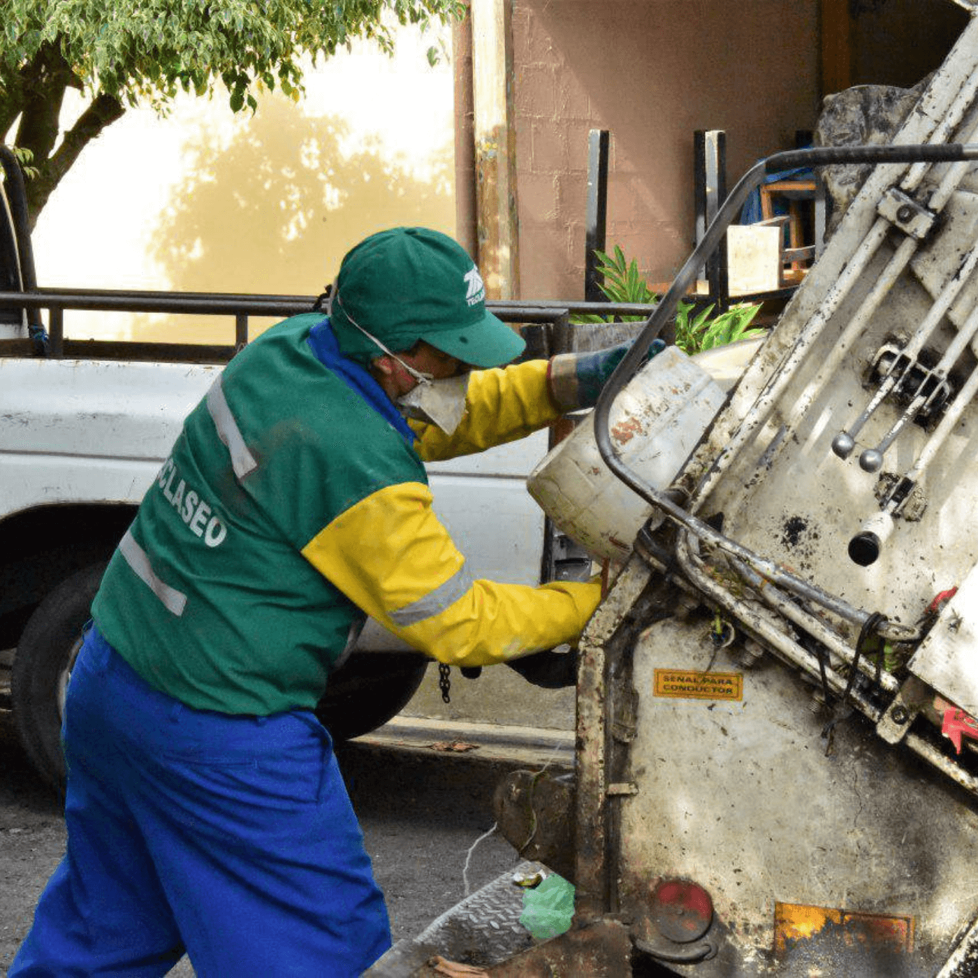El Sistema De Recogida De Basura En Santa Tecla Las Calles, Más Limpias. Limpieza Teclaseo. Fotografía. Roberto d'Aubuisson. 2021